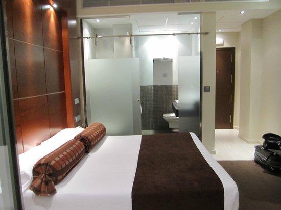 Hotel Francisco I: Very modern room