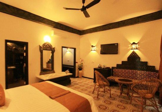 Petit Temple Suite & Spa : each suite room feature a complete khmer art decor