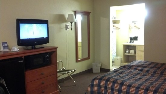 Best Western Plaza Inn : queen room