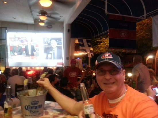 Los Tabernacos Sports Bar and Lounge: partie des Canadiens contre Boston