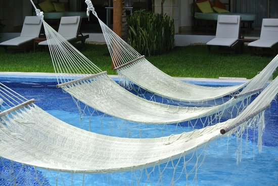 Excellence Playa Mujeres: hammock time