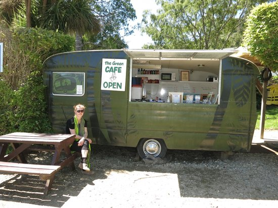 Anakiwa 401 : Their coffee caravan for the afternoon pick me up!
