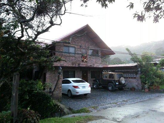 Stone Cabins Boquete: Frente de la cabaña