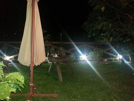 Stone Cabins Boquete: Parte trasera