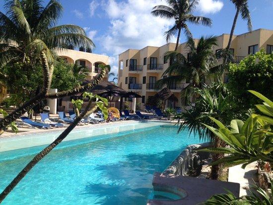 Hotel Posada Del Mar: pool view