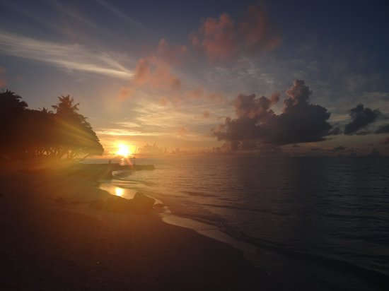 Vivanta by Taj Coral Reef Maldives: Sunrise