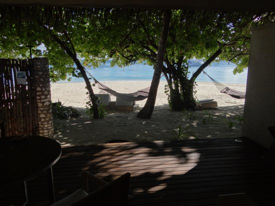 Vivanta by Taj Coral Reef Maldives: View outside from our room