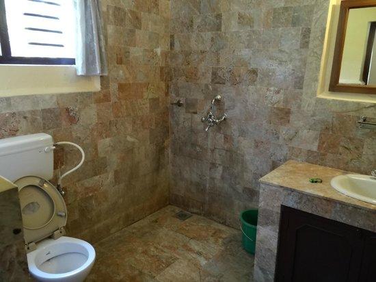 Royal Park Hotel: room 28 - bathroom
