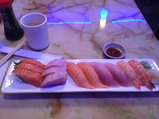 Kadoya Japanese Restaurant: Part of the Sushi and Sashimi combo