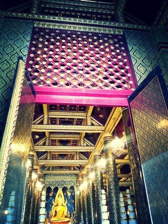 at wat phra si ratana temple - Picture of Phra Si Ratana Temple (Wat Yai), Ph...