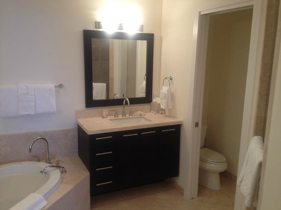 The Venetian on Grace Bay: His/her bath 401