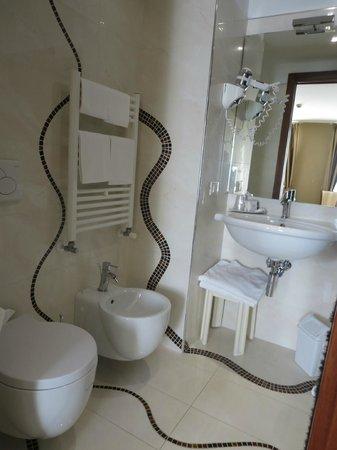 Hotel Paganelli : Bathroom