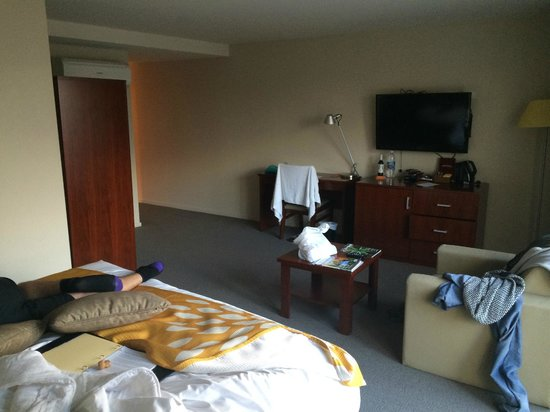 RACV/RACT Hobart Apartment Hotel: Autoclub king room