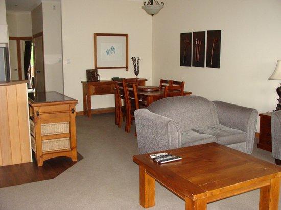 Anchor Lodge Coromandel: Living area 2