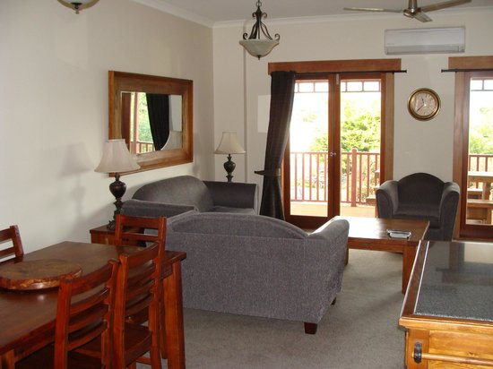 Anchor Lodge Coromandel: Living area