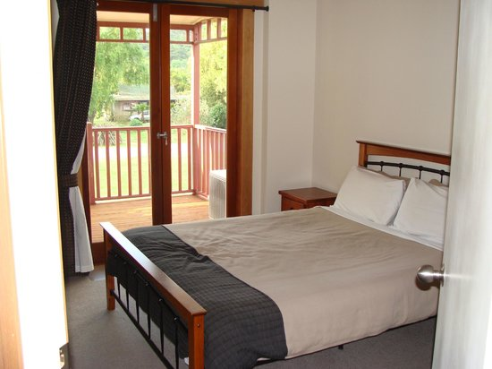 Anchor Lodge Coromandel: Main bedroom
