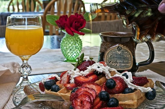 Lobenhaus Bed & Breakfast & Vineyard: Lobenhaus  sample breakfast