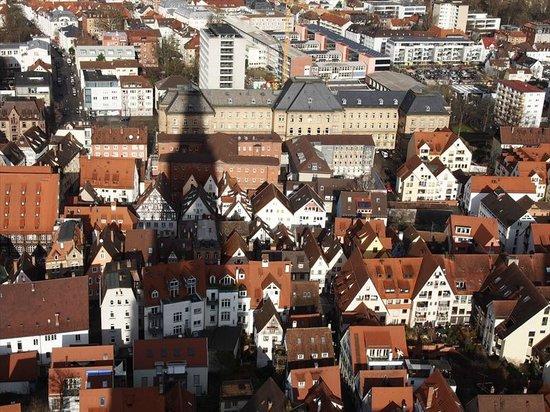 Ulmer Münster: 影が映っています