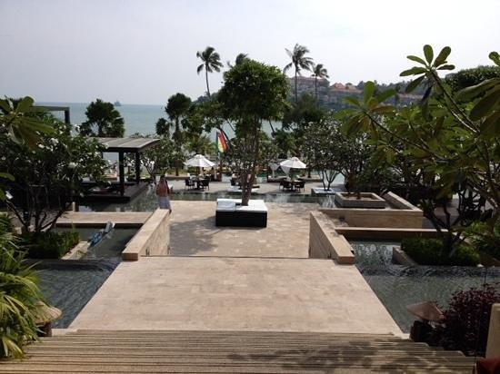 Pullman Phuket Panwa Beach Resort: pool area