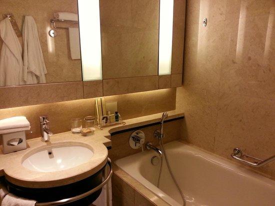 Shangri-La Hotel Kuala Lumpur     11 Jalan Sultan Ismail, Kuala Lumpur 50250, Malaysia