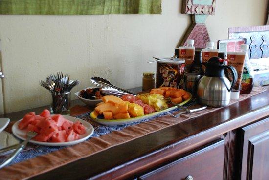 Londiningi Guesthouse : Le buffet matinale