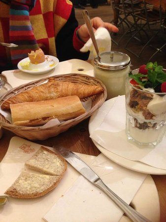 Le Pain Quotidien : breakfast. not quite what I expected