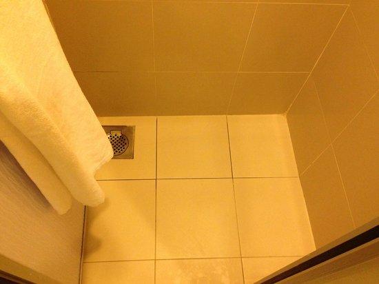 First World Hotel: Bathroom