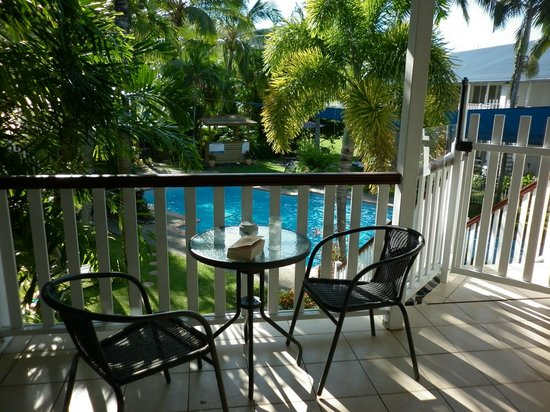 Best Western Mango House Resort: View from 2nd floor poolside balcony