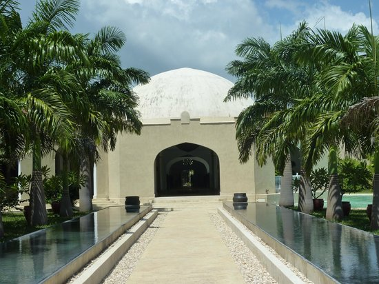 Swahili Beach Resort: entrance area