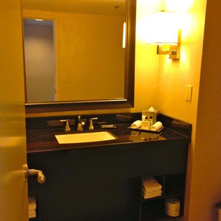 Hilton Anaheim : Presidential suite bathroom
