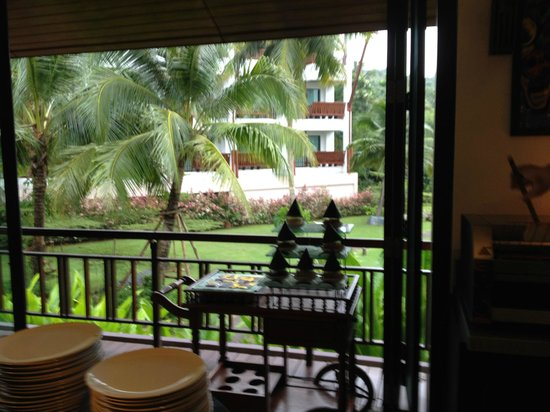 The Elements Krabi Resort: Ground view from dinning area