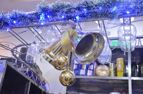Hanoi Rendezvous Hotel: Christmas decoration