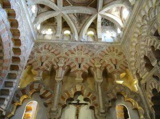 Mezquita Cathedral de Cordoba: Interior