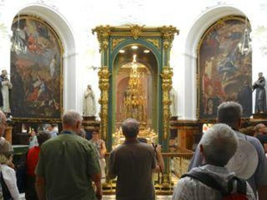 Mezquita Cathedral de Cordoba: Art and other treasures