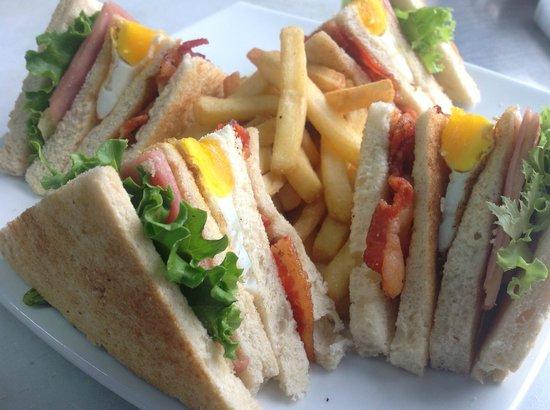 Patricia Arte & Cafe: Nuestro Club Sandwich /  Our Club Sandwich