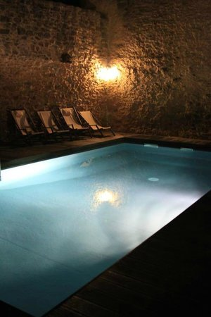 Lamaison-Uzes : The agreeable swimming pool.