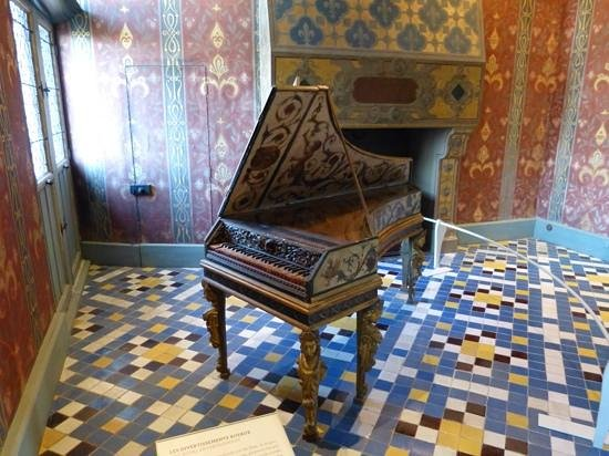 Chateau Royal de Blois : old piano in Blois chateau