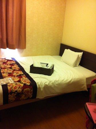 Dotonbori Hotel : Comfy bed and pillow!