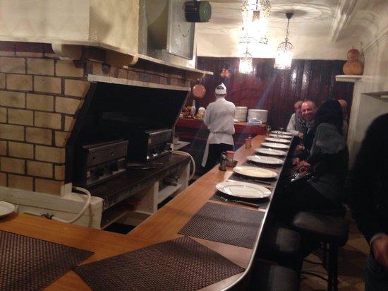 Restaurant Le Tyrolien: Ottimi arrosti ..eseguiti davanti a te ,..seduto nel bancone davanti ai grill. .,..Tipico !!!!
