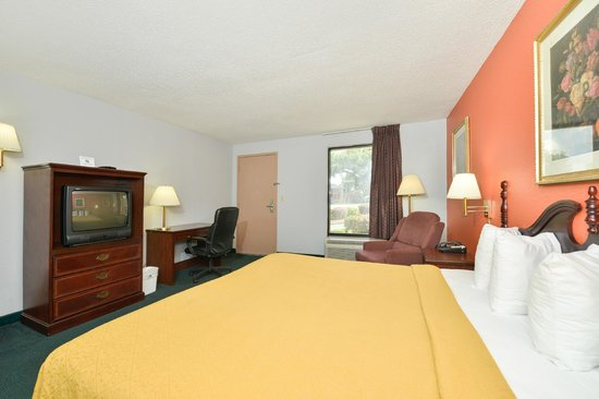 Americas Best Value Inn Hinesville - Ft. Stewart: King Room