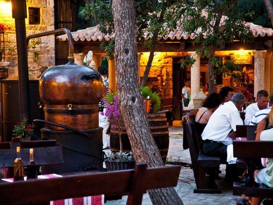 Solaris Beach Hotel Jakov: Dalmatian ethno village