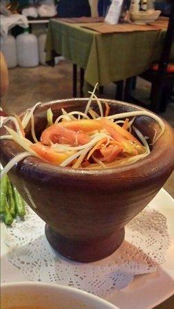 Elephant Cafe & Restaurant: Som Tam (Very spicy!)