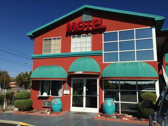 Sandia Peak Inn Motel: Facciata