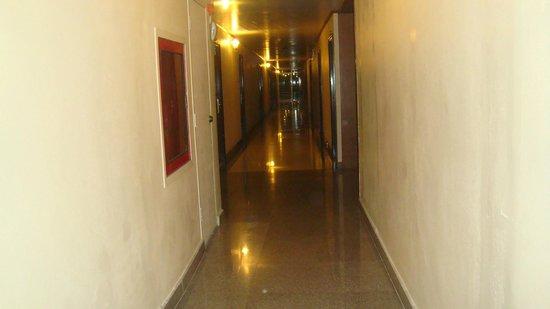 Dream Town Pratunam: corridor