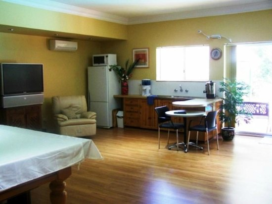 Carmelot Bed & Breakfast: Guest facilities in games room