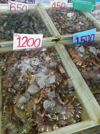 Rawai Beach: Live seafood