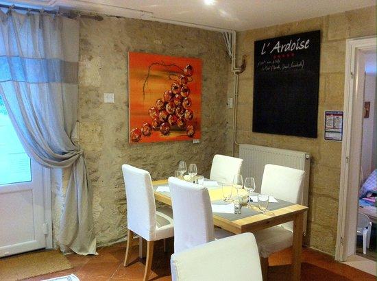 L'ardoise: La salle du restaurant