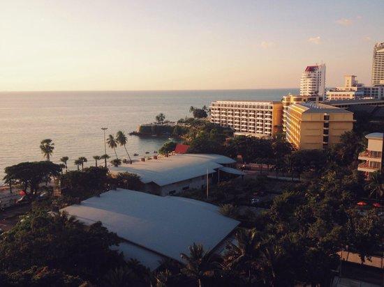 Amari Garden Pattaya: View of the sea from my room
