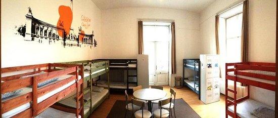 Adagio Hostel 1.0 Oktogon: 10 Bedded Dorm