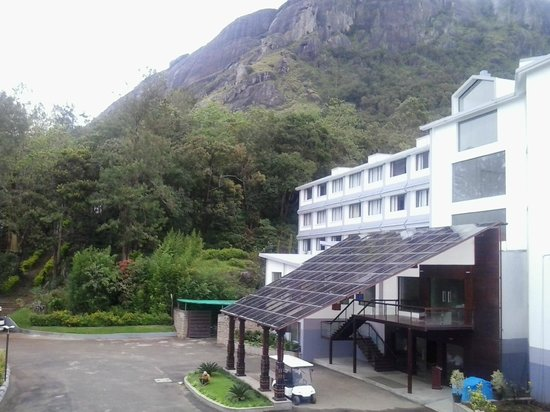 Munnar - Terrace Greens, A Sterling Holidays Resort : The Entrance to the main building of the resort.